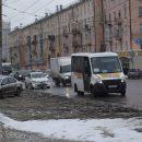 Апрельский снегопад стал причиной 5-балльных пробок на дорогах в Омске