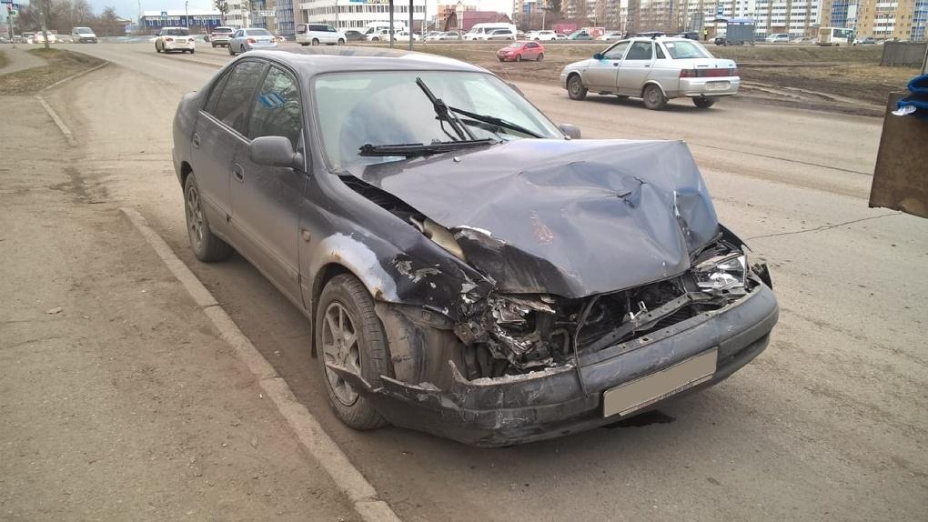 Две девочки пострадали в ДТП с грузовиком в Омске