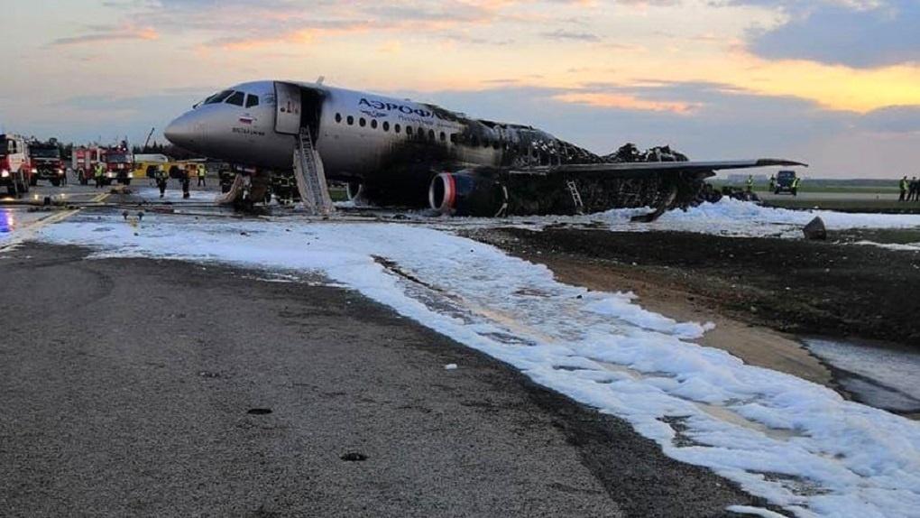 В горящем самолете в Шереметьево погиб 41 человек. Список выживших