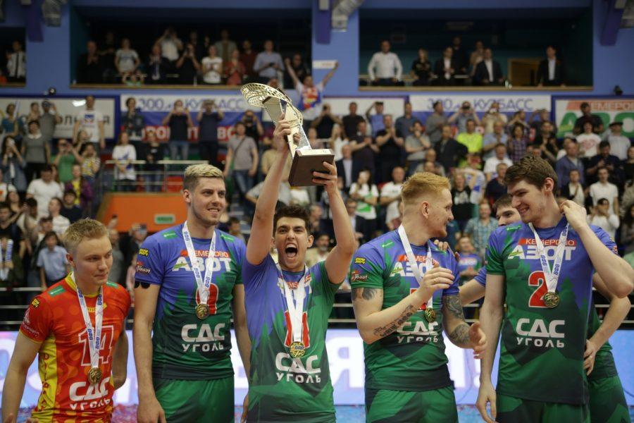 Кузбасский клуб впервые в истории стал чемпионом России