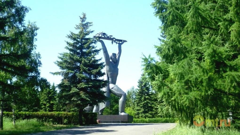 Омская мэрия посадит цветы в парках к 9 Мая