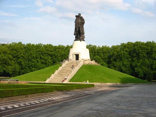 Как в Трептов-парке: в Кузбассе установят копию памятника воина-освободителя